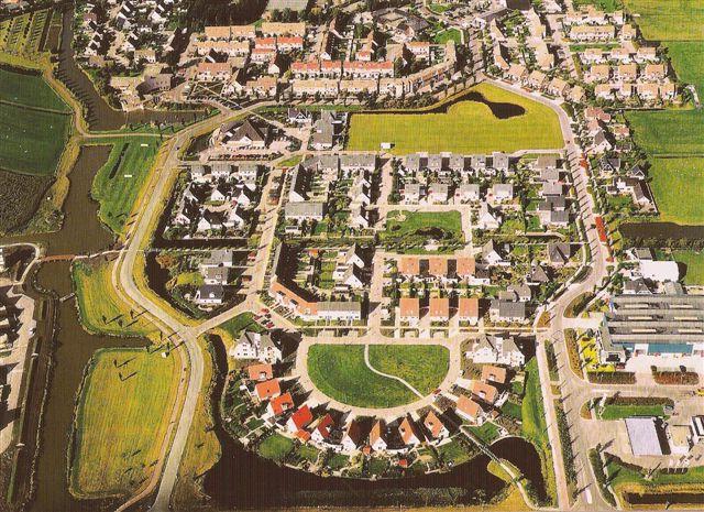 luchtfoto van de wijk Avenhorn