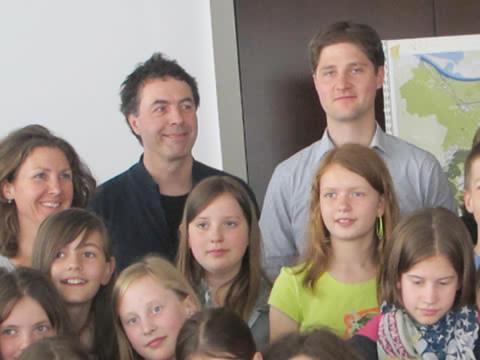 schoolkinderen + 3 volwassenen