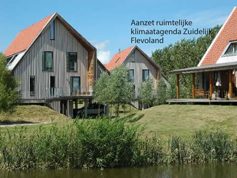 Woningen aan water in Flevoland